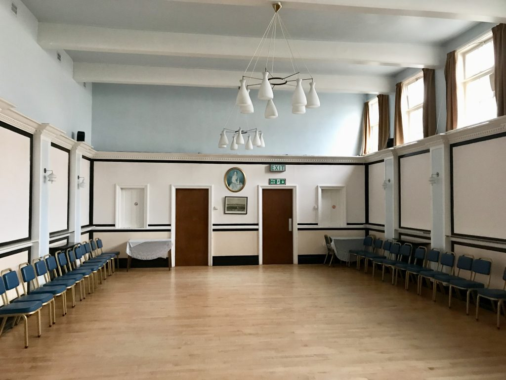 Picture of the Masonic hall and its wooden floor